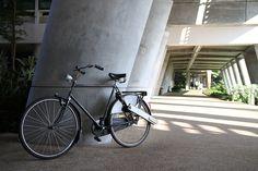 Nicht jeder möchte sein Fahrrad gegen ein E-Bike umtauschen. Obwohl man sich manchmal einen Motor am Fahrrad wünscht. Mit Ease Cycle Electric könnte es daher in Zukunft auch mal leichter bergauf gehen. ease verhilft dem Fahrrad in Sekunden zum E-Bike ease verspricht, wie der Name schon vermuten lässt, eine ganz einfach anzubringende elektrische Unterstützung für gewöhnliche Fahrräder zu sein. Damit soll dieser Ad-On-Motor innerhalb weniger Sekunden und spezielles Werkzeug oder Fachkenntnisse…