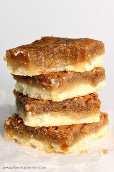 Butter Tart Squares: the easiest way to homemade butter tart flavour! If youve Butter Tart Squares: the easiest way to homemade butter tart flavour! If youve never had a butter tart you NEED to try these. Perfect for your fall or Christmas baking! Köstliche Desserts, Dessert Recipes, Desserts For A Crowd, Butter Tart Squares, Baking Recipes, Cookie Recipes, Biscuits Graham, Homemade Butter, Christmas Cooking