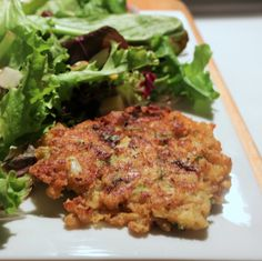 Westport Clam Fritters Recipe with Fresh Clam Cleaning Guide Westport Clam Fritters in coconut oil! A simple, delicious seafood dinner after a clam dig or buy clams frozen and add a salad for a quick nutritious meal! Clam Recipes, Seafood Recipes, Asian Recipes, Vegetarian Recipes, Cooking Recipes, Healthy Recipes, Dinner Recipes, Cooking Food, Conchas De Mar