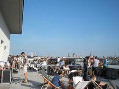 Die Dachterrasse des Cafés Vorhoelzer Forum in der TU München