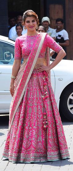 Indian Dress How To Be The Perfect South Indian Bride Indian Gowns Dresses, Indian Fashion Dresses, Indian Designer Outfits, Wedding Lehenga Designs, Designer Bridal Lehenga, Designer Party Wear Dresses, Lehenga Collection, Braut Make-up, Indian Bridal Outfits