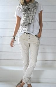 Love the pants with white t-shirt and the thin scarf.
