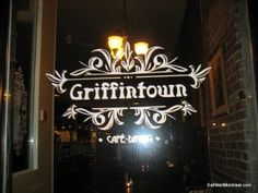 Griffintown Cafe - 1378 Rue Notre-Dame Ouest - Tasty dish: Huevos Divorciados with the pulled pork.