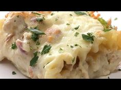 Chicken Alfredo Roll Ups Here is what you& need! Servings: 1 INGREDIENTS 8 lasagne noodles 2 cups cooked, shredded chicken 1 lb bacon, cooked and crumbled 8 oz shredded & The post Chicken Alfredo Roll Ups appeared first on Pinfo Board. Pollo Alfredo, Chicken Alfredo Lasagna, Ravioli Lasagna, Seafood Lasagna, Alfredo Pasta Bake, Sauce Alfredo, Baked Pasta Recipes, Cooking Recipes, Soup Recipes