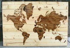 Mapa mundi en madera