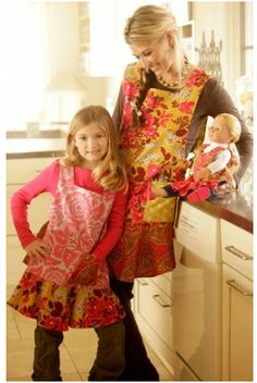 Dressed Alike Apron Pattern! Mom, daughter, and doll! How freakin' adorable!