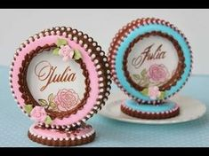VIDEO: How to Make 3-D Cookie Place Cards by Julia M Usher. In this one video, she shows more than four techniques, including rubber-stamping, dusting, stenciling and 3-D sandwiching!