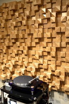 Artnovion Alps Diffusers with a Thorens TD 2035 Wooden Wall Art, Wood Wall, Acustic Panels, Acoustic Diffuser, Acoustic Wall Panels, Sound Room, Room Acoustics, Acoustic Design, Music Studio Room