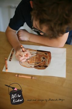 use magazines for kids' art projects. This post also include options for different ages + stages!
