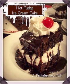 reminiscing - one of my childhood favorite desserts came from Bob's Big Boy - I've recreated the Hot Fudge Ice Cream Cake Best Vanilla Ice Cream, Fudge Ice Cream, Cream Cake, Cream Cream, Shoneys Hot Fudge Cake Recipe, Fudge Sauce, Chocolate Cake Mixes, Delicious Chocolate, Chocolate Recipes