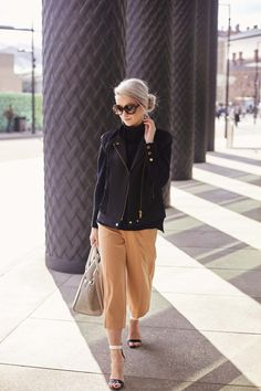 Don't often wear my hair like this but I think this outfit deserved something a little sleeker and chic! Victoria Magrath, Spring Summer Fashion, Autumn Fashion, Classy Outfits, Daily Fashion, Personal Style, Your Style, Tom Boy, Street Style