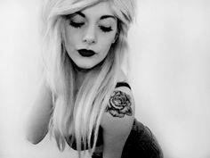 Exactly what I want but a little bigger, rose right on the shoulder