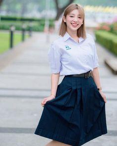 Girls Uniforms, Rain Wear, School Uniform, Beautiful Asian Girls, Asian Beauty, High Waisted Skirt, Cute, Skirts, How To Wear