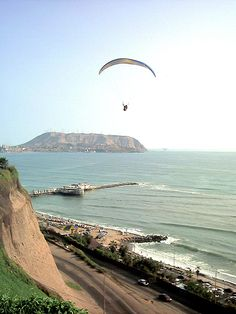 Pretty picture of litoral of the city of Lima, capital of Peru (Pacific Ocean). Chile, Saint Vincent, Virgin Islands, Pacific Ocean, Pretty Pictures, Trinidad, South America, Bella, Memories