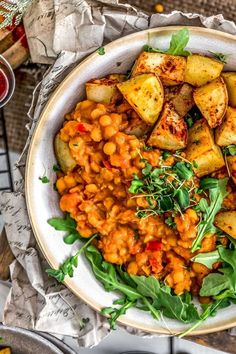 We can't get enough of this cozy Curried Yellow Split Pea Stew. It checks off all the must haves: easy, satisfying, and oh-so delicious. Pea Recipes, Lunch Recipes, Whole Food Recipes, Vegetarian Recipes, Healthy Recipes, Vegan Soups, Yellow Split Pea Recipe, Clean Eating, Vegans
