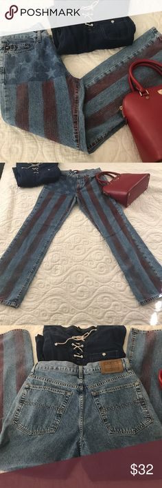 """Tommy Hilfiger Patriotic Jeans Patriotic jeans that have been used.  32"""" inseam.  No holes rips or tears.  From a smoke free pet free home. Tommy Hilfiger Jeans Boot Cut"""