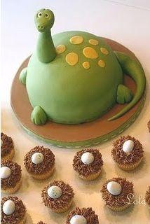 way cute birthday cake.
