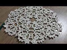 Doilie with frame by: Rachel Gooding - Tuh Old Crochet Home, Love Crochet, Crochet Motif, Crochet Doilies, Crochet Flowers, Crochet Stitches, Crochet Baby, Crochet Bracelet, Crochet Earrings