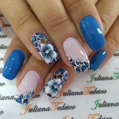 Unhas decoradas com flores passo a passo Dog Treat Recipes, Flower Nails, Breakfast For Kids, Cookies Et Biscuits, Nail Arts, Pretty Nails, Pedicure, Nail Art Designs, My Nails