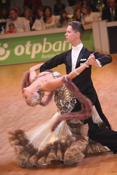 nice ballroom dress idea, which reminds of 1920-1930-s