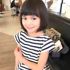 (2ページ目)女の子の髪型は、いつでもおしゃれにしてあげたいものですよね。しかし、女の子の可愛らしい髪型といっても、どのようにすればいいのか迷ってしまう親御さんもいると思います。 そこで今回は、おしゃれな女の子の髪型を長さ別にまとめました。また、可愛らしいヘアアレンジも併せてご紹介します。