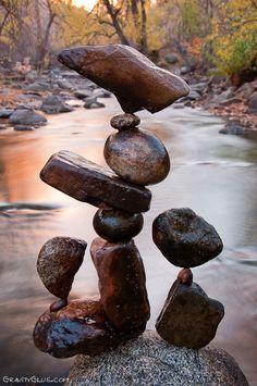 Amazing Art of Rock Balancing by Michael Grab Land Art, Michael Grab, Stone Balancing, Stone Cairns, Art Et Nature, Balanced Rock, Balanced Life, Art Pierre, Rock Sculpture