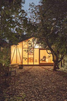 Minimalist 'Lantern Studio' by Surman Weston