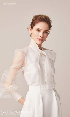 Wedding Gown Guide: High Neckline – The FashionBrides – Wedding Gown Look Fashion, Trendy Fashion, Fashion Design, Filipiniana Dress, Filipiniana Wedding, Bridal Separates, Blouse And Skirt, Pretty Dresses, Wedding Gowns