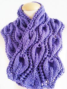 Lilac_leaf_cowl_scarf_ahnd_knit3_small2
