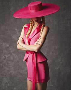 Hasan Hejazi Spring 2014 Collection Sassy and Fuschia News Fashion, Fashion Trends, Fashion Hats, Rosa Style, Pink Fashion, Womens Fashion, Maxi Robes, Wearing A Hat, Love Hat