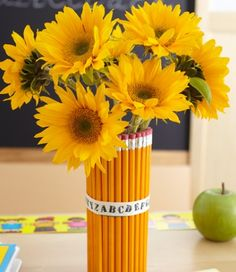 So cute, I can't wait for pencils to go on sale this summer so I can make it!