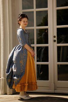 FlouncedLucia: blaues Rokoko Kleid : Polonaise cut en fourreau : Part 3…