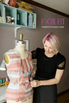 Have you been thinking of sewing your own self sewn wardrobe this year? SAVE yourself from some of the frustrations I encountered. In this post I share key ah-has, takeaways, pitfalls and lessons I learned this year as I sewed all of my own clothing. Click through to learn more!