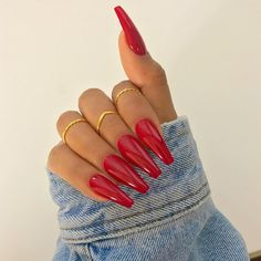 "45.7 k mentions J'aime, 165 commentaires - SHERLINA (@sherlinanym) sur Instagram : ""Bloody nails @iamreeceyroo"""