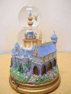 Rare! Tinkerbell Cinderella Castle Walt Disney Motion Light Up Musical Snowglobe