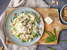 Enkel og sunn ukesmeny for hele familien Cabbage, Pasta, Vegetables, Ethnic Recipes, Food, Essen, Cabbages, Vegetable Recipes, Meals