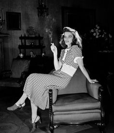 Katharine Hepburn. 1939.     Photographer: Alfred Eisenstaedt (via historyartsculture) Source: fewthistle