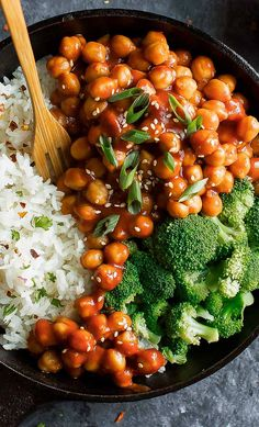 A vegan twist on this take-out classic, Sweet and Sour Chickpeas are speedy, saucy, and a little bit spicy! I served my saucy chickpeas with fluffy white rice and steamed broccoli, but when it comes t Rice Recipes For Dinner, Veggie Recipes, Whole Food Recipes, Vegetarian Recipes, Cooking Recipes, Healthy Recipes, Vegan Chickpea Recipes, Veggie Dinners, Easy Vegetarian Dinner