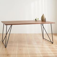 Table Desk, Table And Chairs, Desk Legs, Steel Rod, Chair Bench, Hygge, Furnitures, Habitats, Furniture Ideas