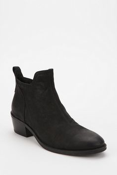 Vagabond Dawn Ankle Boot  #UrbanOutfitters
