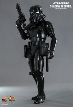 Hot Toys Star Wars Shadow Trooper (Toys Soul Hong Kong Exclusive) collectible is based on the expanded Star Wars universe for Episode IV: A New Hope. Star Wars Toys, Star Wars Art, Star Destroyer, Boba Fett, Gi Joe, Star Wars Episodio Iv, Dark Vader, Starwars, Figuras Star Wars