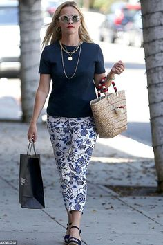 Reese Witherspoon wearing Draper James Oak Hill Vine Knoxville Pant