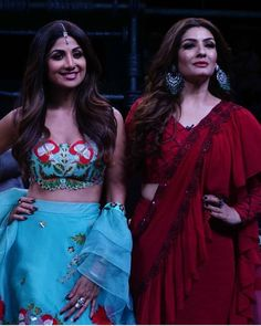 Shilpa Shetty and Raveena Tandon Re - live their good old friendship on the sets of Superdancer Chapter 3 - HungryBoo Old Film Stars, Old Friendships, Shilpa Shetty, Bollywood Actress Hot, Curvy Girl Fashion, Chapter 3, Good Old, Rave, Wonder Woman