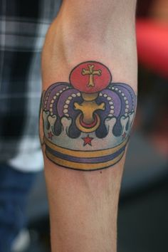 110 Graceful Crown Tattoos Designs And Meanings nice