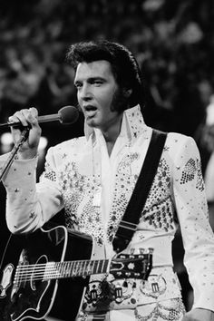 Elvis Presley performs in Honolulu