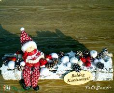 Fehér karácsonyi asztaldísz télapóval (TotiDecor) - Meska.hu