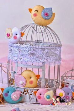 Olá! Acho linda decoração de noivado/casamento feita com passarinhos além de ser super romântica! Encontrei um passo a passo de passari...