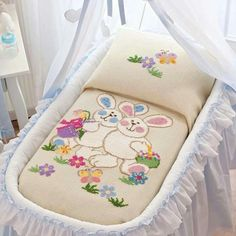This Pin was discovered by HUZ Baby Applique, Crewel Embroidery, Cross Stitch Embroidery, Quilt Baby, Cross Stitch Baby, Cross Stitch Animals, Cross Stitch Designs, Cross Stitch Patterns, Baby Sheets