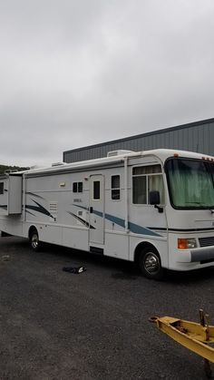2002 Holiday Rambler Admiral (PA) - $38,500 Please call Al @ 570-760-8806 to see this Class A Motorhome. Rv For Sale, Camping Ideas, Motorhome, Recreational Vehicles, Toy, Holiday, Vacations, Camper Van, Caravan Van