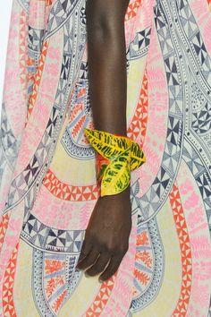 Colour, pattern and leaf bracelet - Mara Hoffman Spring 2013 - Via Style Bistro Motifs Textiles, Textile Patterns, Textile Prints, Color Patterns, Print Patterns, Mara Hoffman, Mode Inspiration, Color Inspiration, Pattern Design